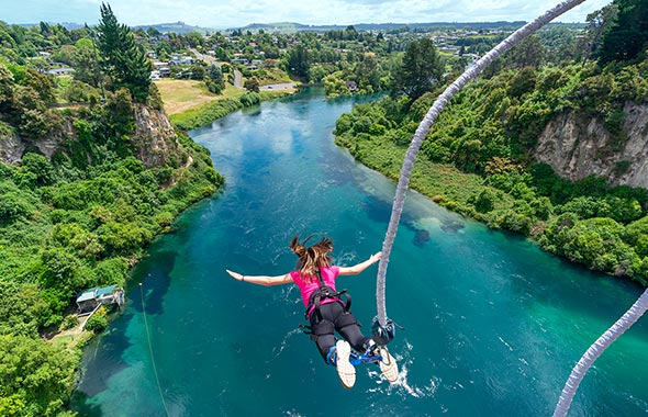 4 Bungy jumping